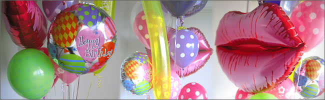Giant kiss balloon bouquet gift item